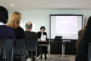 Professor Ruth Phillips presenting a paper at the Art Writing symposium